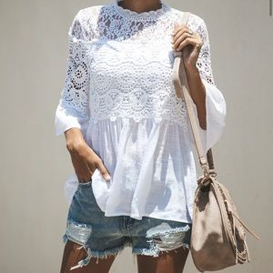 Calavares Crochet Top Blouse in White Vici